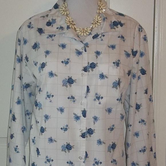 a7eb704b Cabin Creek Tops   Blue Roses Buttoned Top Shirttail Hem Euc Pocket ...